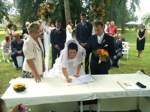 podpis novomanželů