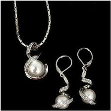 Tak swarovski šperky už jsou doma a jsou vážně překrásné!