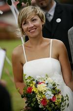 dojatá nevěsta...