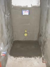 15.den - zabetonovaná podlaha na záchodě