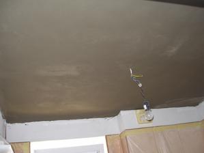 30.den - perlinka na stropě v koupelně