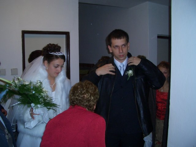 Andrea Nováková{{_AND_}}Martin Kasman - presun do kostola