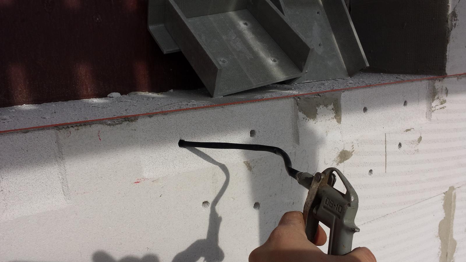 Pasívny dom svojpomocne - priprava na chemicku kotvu