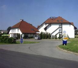 Hotel Hamet ve Zlosyni.