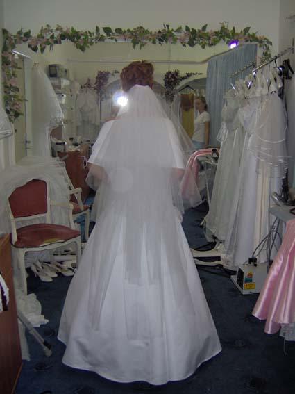 """Svadba 27. augusta 2005 sa blíži! - Za závoj ďakujem """"September"""" z tejto stránky. ĎAKUJEM!"""