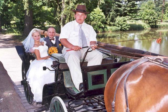 Svadba 27. augusta 2005 sa blíži! - náš dopravný prostriedok ... lenže, čas sa blíži a ja začínam mať obavy, že na koči to nezvládnem