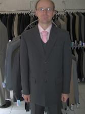 V sobotu kúpený oblek ... tak, čo poviete?