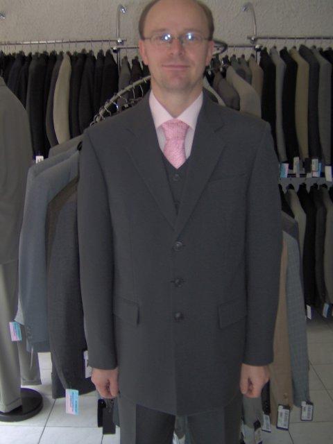 Svadba 27. augusta 2005 sa blíži! - V sobotu kúpený oblek ... tak, čo poviete?