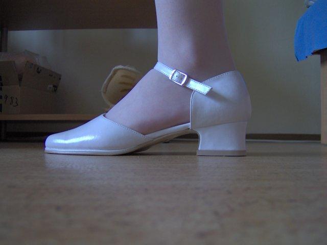 Svadba 27. augusta 2005 sa blíži! - Moje topánočky .. po svadbe na predaj!