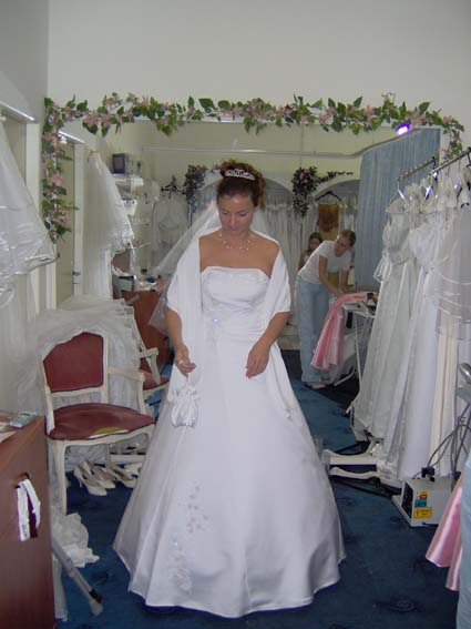 Svadba 27. augusta 2005 sa blíži! - so štólou