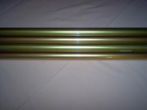zlatý baliaci papier