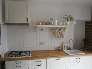 kuchyně v další fázi .-)