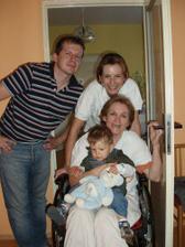 a tu sme rodinka - maminka, ja, bráško a matýsek