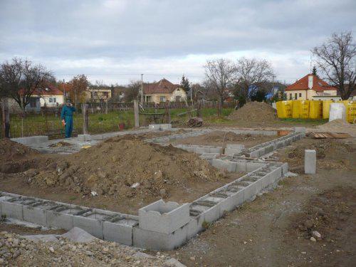 Stavba nášho domu - zaklady