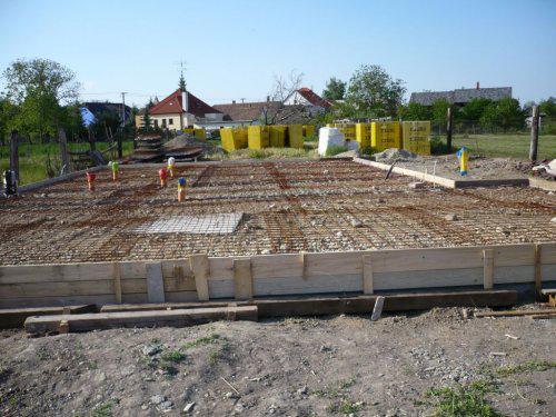 Stavba nášho domu - natiahnuté karirohože