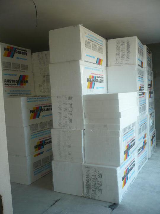 Stavba nášho domu - Plná obyvačka polystyrénu..:)