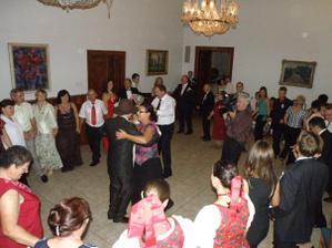 Nádherná tanečná sála...a bolo veselo až do rána:-))