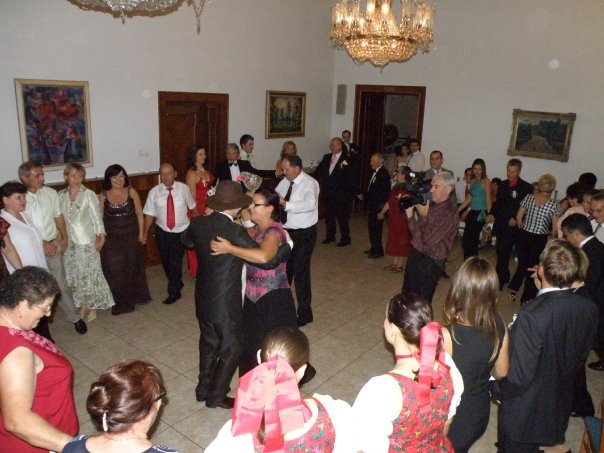 Valéria{{_AND_}}Branislav - Nádherná tanečná sála...a bolo veselo až do rána:-))