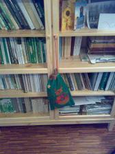 knihovna a vánoční pytel:)