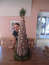 Stromeček má rovný metr výšky