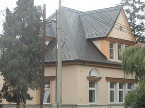 Právě dokončená střecha-Cembrit-Česká šablona