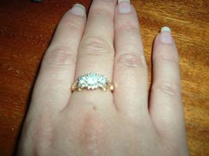 toto je můj zásnubní prstýnek, je dovezený z Irska