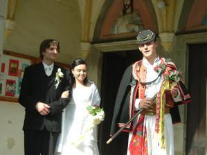 toto jsou fotky ze slovenské svatby se starejsim