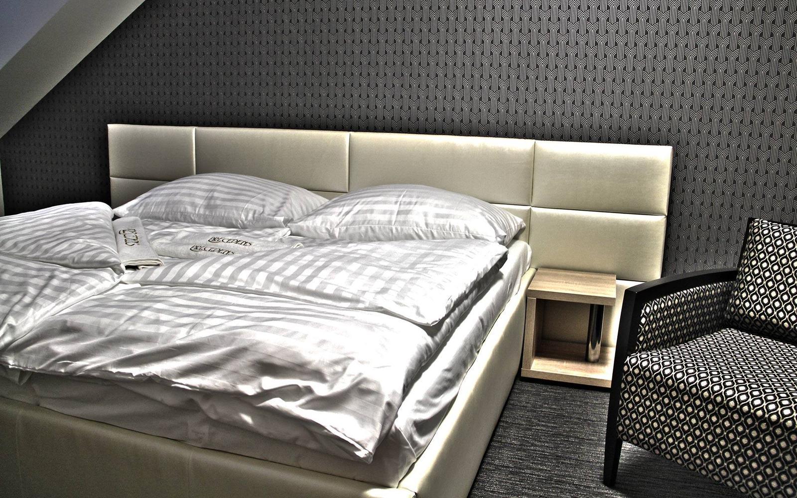 mirones - posteľ CHRISTY - vyrábaná na mieru v krásnom penzione