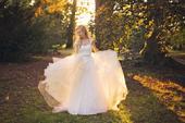 Luxusní krajkové šaty od návrhářky Petry Brzkové, 34