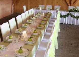 nádherné stolovanie
