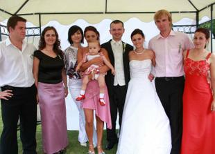Nevestine sestranice s rodinkami
