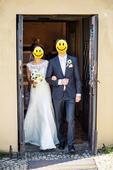 Svatební šaty s odhalenými zády, 42