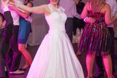 Čipkované svadobné šaty, 37