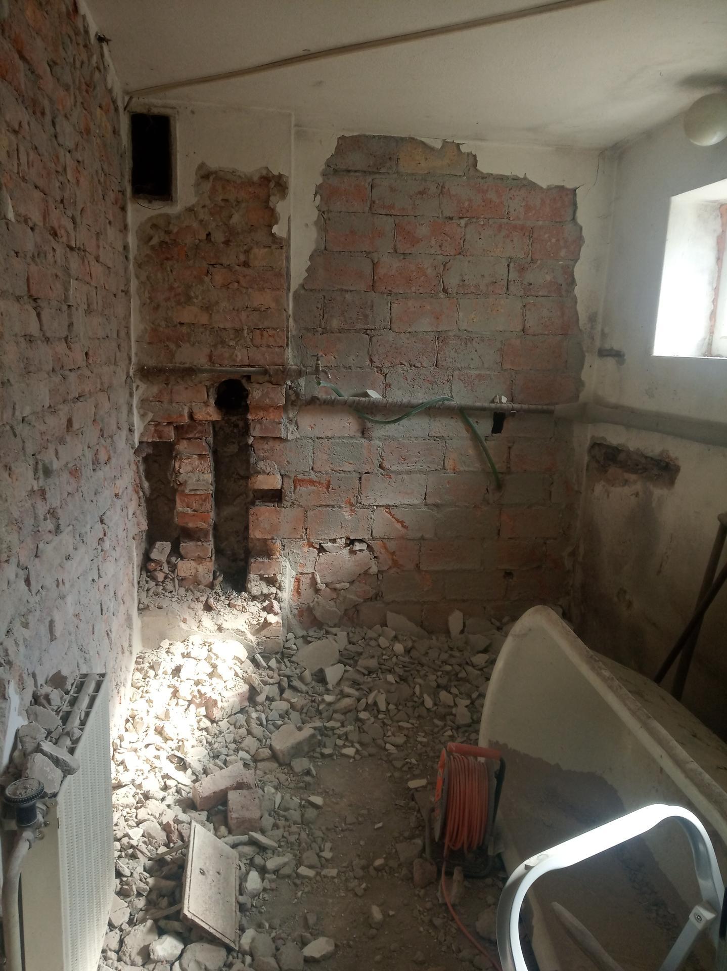 Koupelna - copak je to za obvodovou zeď? 🤔