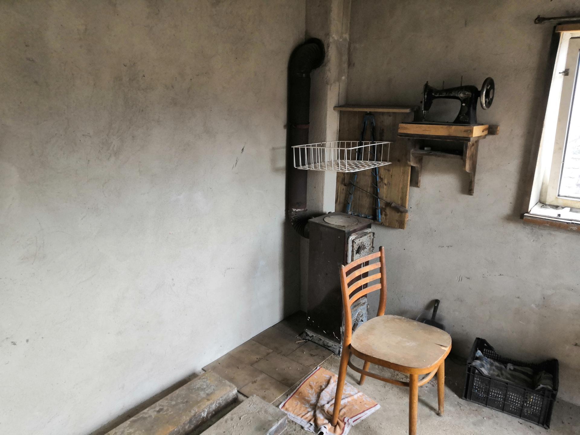 Dílnička s kurníkem  na dvoře - Obrázek č. 5