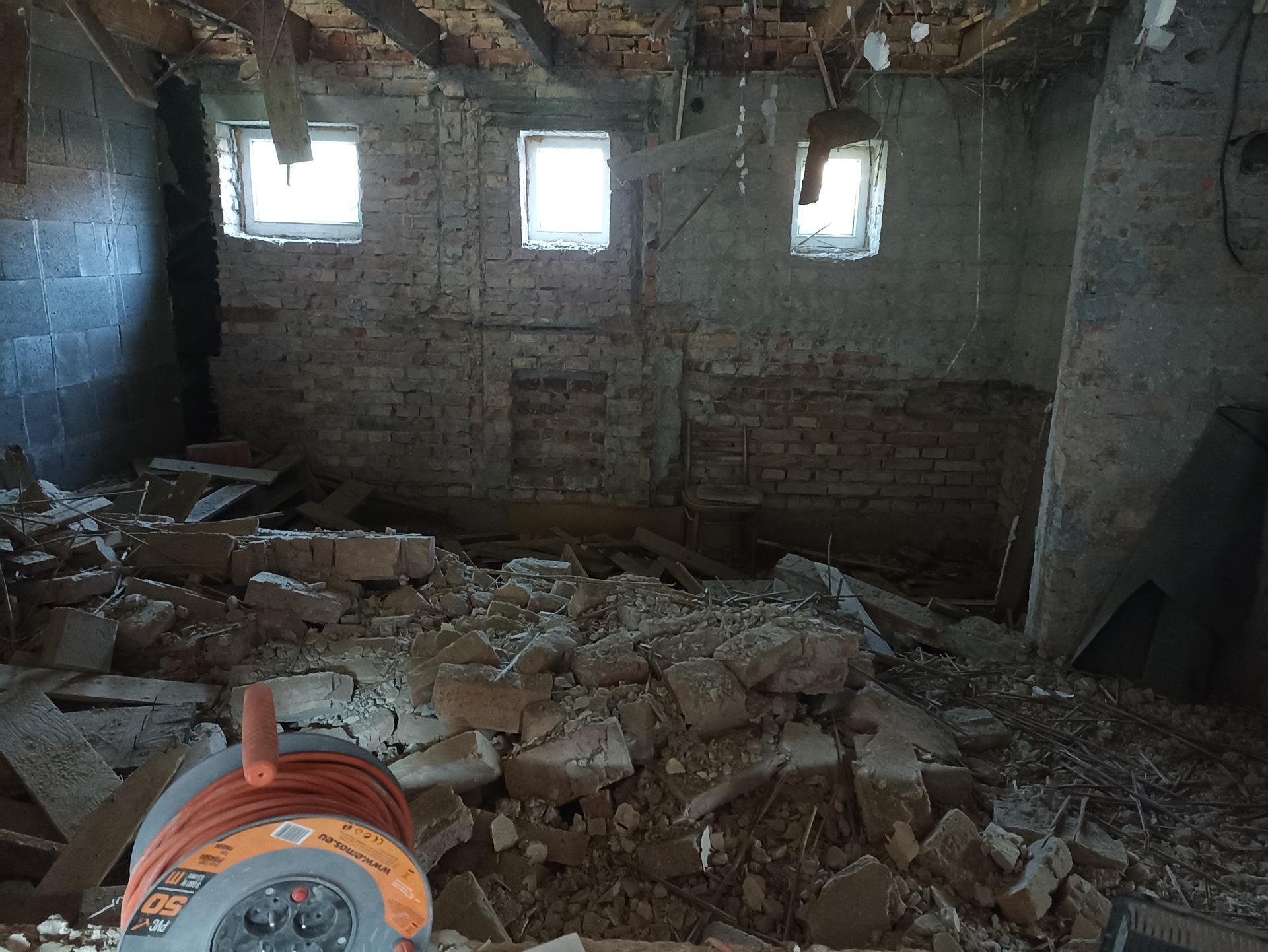 Kuchyň - Zeď pude pá pá a bude nová