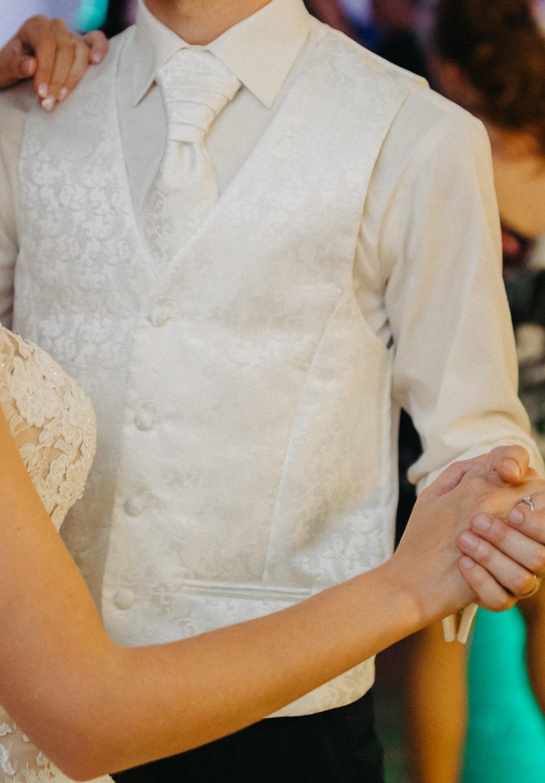 Vesta, francúzska kravata a vreckovka - Obrázok č. 4