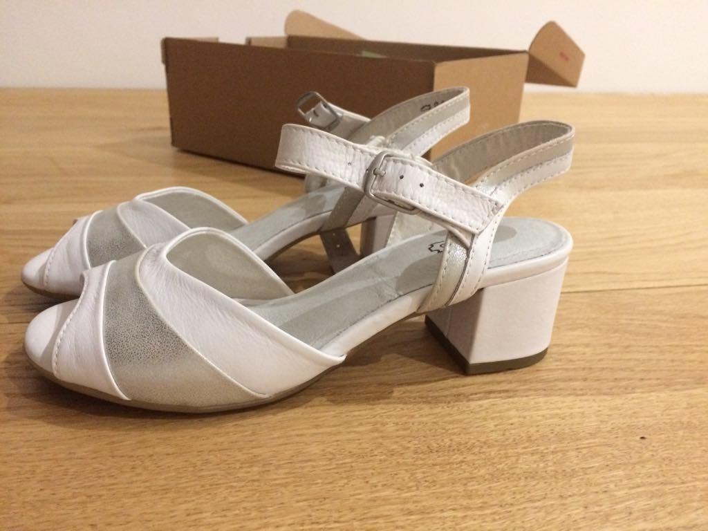 kožené sandále Baťa - Obrázok č. 1