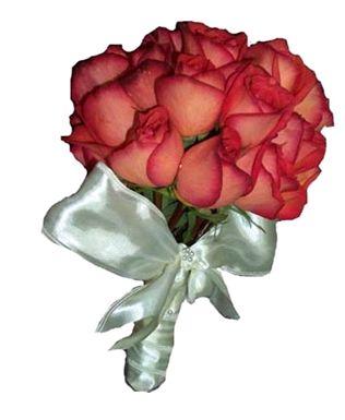 Svadobne kytice,torticky a ucesy po svadbe - Obrázok č. 7