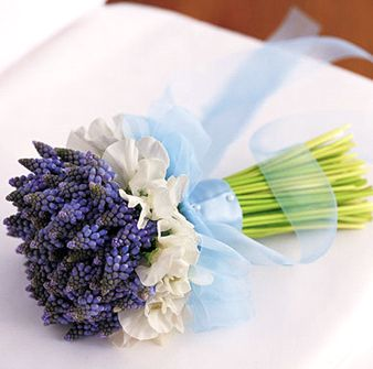 Svadobne kytice,torticky a ucesy po svadbe - Obrázok č. 11