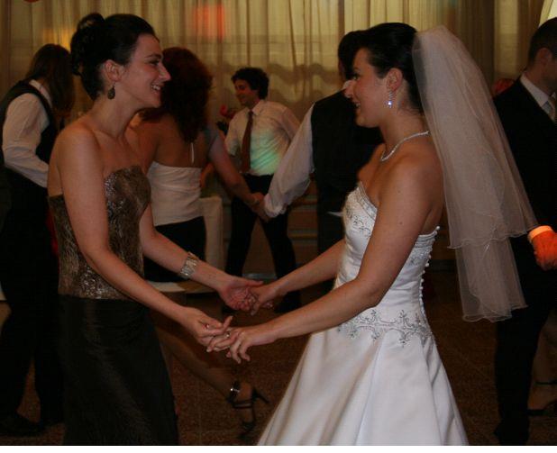 Michaela Dlhopolčeková{{_AND_}}Viliam Vilček - a s moju sestrickou, ktora bola mojou oporou a pravou rukou:-)