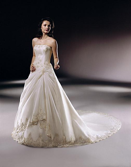 Zásnuby - nasledujúce šaty sa páčia zase mne
