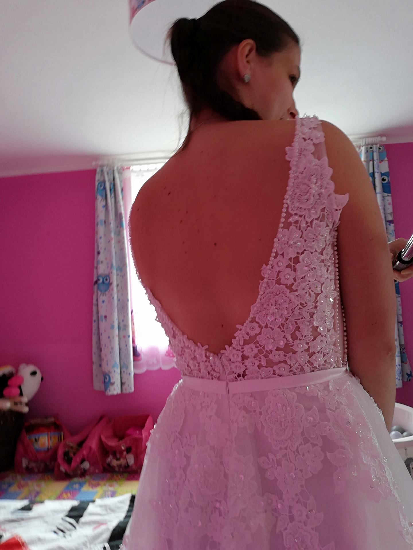 Mé šaty - Obrázek č. 3