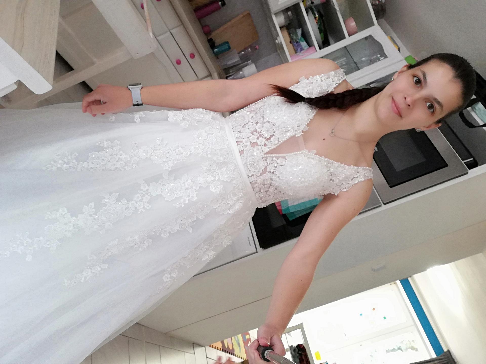 Mé šaty - Obrázek č. 4