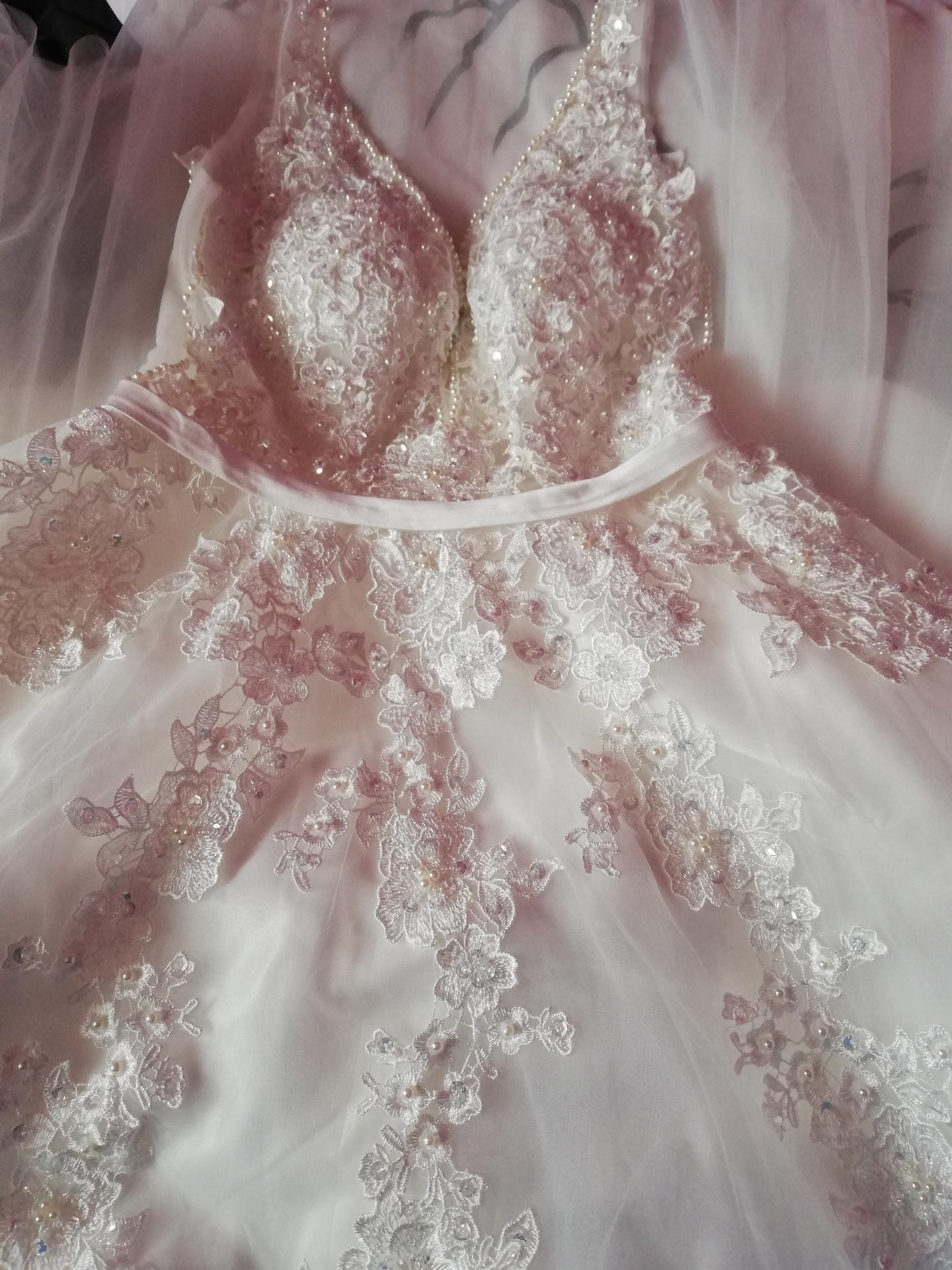 Mé šaty - Obrázek č. 2