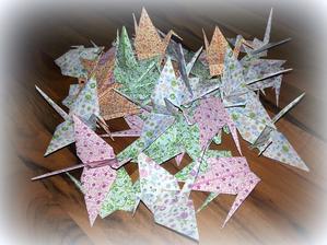 spousta origami bude ještě jen v bílé barvě
