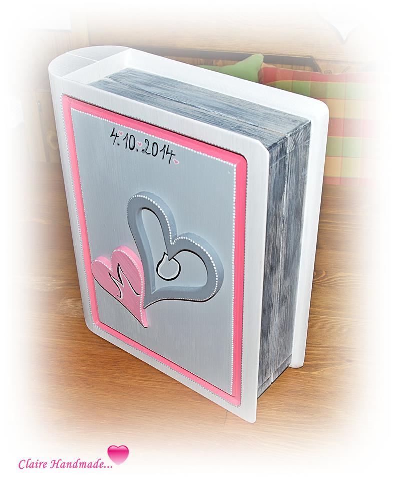 Fotky od svatebních hostů - jeden z dárků od svatebních hostů.....dřevěná svatební kniha, do které se krásně vejdou všechna blahopřání