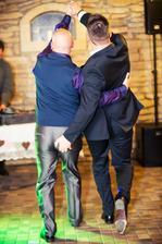 co dodat........poslední cena tomboly...tanec s nevěstou :-)