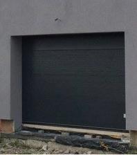 garážová vrata V profil v RAL 7016