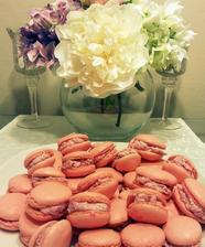 jahodové makronky